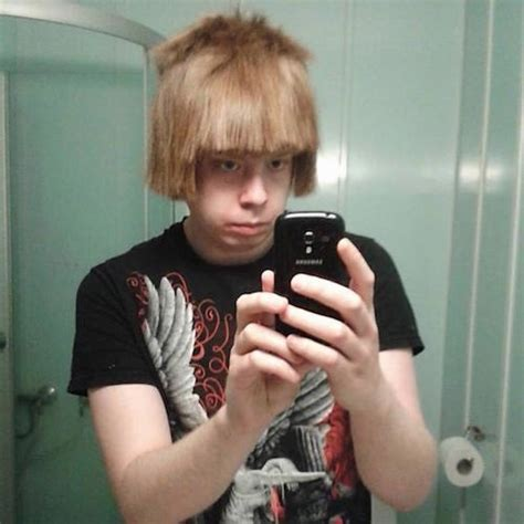 How Not To Cut Your Own Hair: Worst Hair and Selfie EVER
