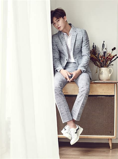 2016 Basso Homme Spring/Summer Collection with Park Seo