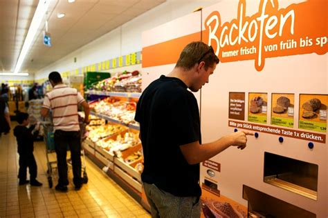 Grocery Store Automats Get a Rise Out of German Bakers - WSJ