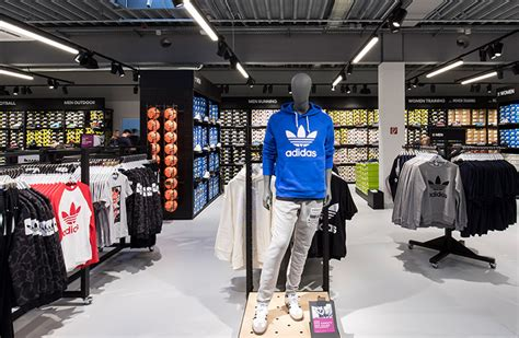 Adidas OUTLET in Germany » Sale up to 70% off   OUTLETCITY